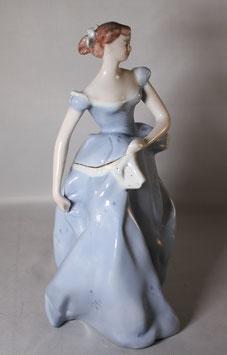 Porzellan Frau mit Ballkleid und Taschentuch