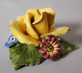 Porzellan Rose mit kleinen Blumen