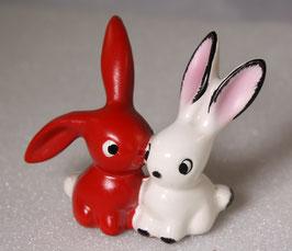 Hasen in rot und weiß von Goebel
