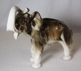 Porzellan Elefant von Royal Dux 15