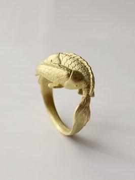 Ring Yin und Yang mit zwei Koi, Glücksbringer aus 750 Gold