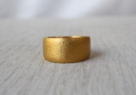 geschmiedeter Ring aus 24 Karat Feingold