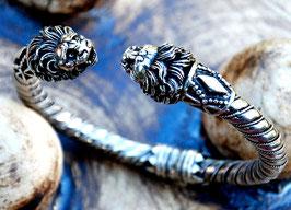Löwenköpfearmband
