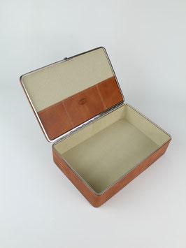 BOX M l COX l 3972