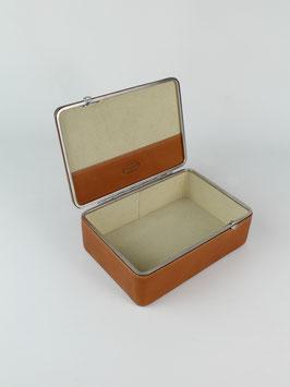 BOX S l COX l 3970
