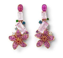 Blütenohrringe mit pinken Saphiren