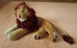 Löwe Leo von Steiff, liegend, Art. Nr. 2335,00