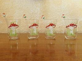4 Wassergläser, Uranglas, mit Fliegenpilzen bemalt + 4 Coctailpicker