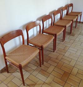 Danish Design: Møller Modells 6 Stühle + Teak-Tisch von Rosengaarden