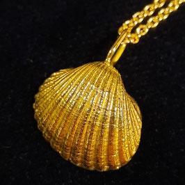 Goldene Nordseemuschel (Langeoog) 750/- Gelbgold ohne Kette
