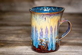 196 - Geschwungene Latte Macchiato Tasse in braun, blau, goldgelb und saphir mit Drachen verziert