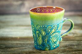 160 - Keramiktasse mit in grün, türkis, pflaume