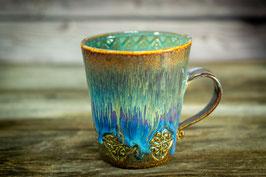 151 - Keramiktasse in braun, blau, goldgelb und türkis