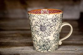 216 - Keramiktasse in pflaume mit wunderschönem Blumenmuster