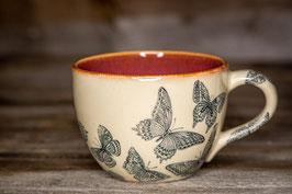214 - Jumbo Keramiktasse in pflaume mit Schmetterlingen