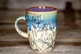 168- Kleine elegante Keramiktasse in graulila, blau mit einem wunderschönen Blumenmuster verziert