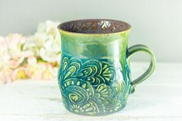 090 - Große Keramiktasse in grün, türkis, graulila