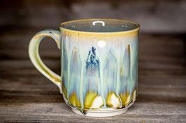 194 - Große Keramiktasse in satinweiß, beige und türkis