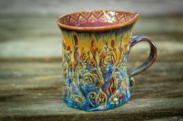 131 - Geschwungene Keramiktasse ROSE in blau, gelbgold und pflaume (2. Wahl)
