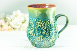 019 - Große Keramiktasse ROSE in grün, türkis und pflaume