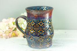 096 - Große Keramiktasse in braun, blau und saphir