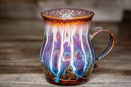 204 - Große Keramiktasse CELTIC in braun, blau, creme und graulila
