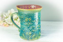 040 - Geschwungene Latte Macchiato Tasse in grün, türkis und pflaume