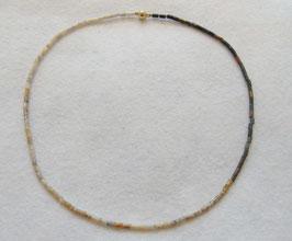 Jaspis Kette mit interessantem Farbverlauf, Verschluss ist aus 585er / 14 Karat Gold.