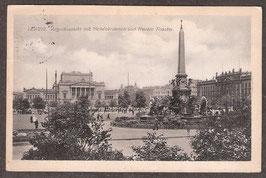 04...   (O-7010; O-7030)   Leipzig   -Augustusplatz mit Mendebrunnen und Neuem Theater-   (PK-00060)