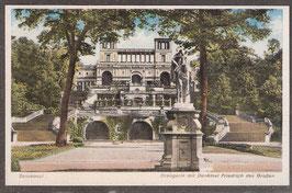 144..   (O-15..)    Potsdam   -Sanssouci Orangergie mit Denkmal Friedrich des Großen-   (PK-00384)