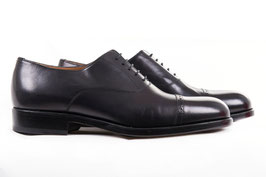 Cap toe oxford in black