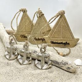 Segelbootanhänger mit Anker