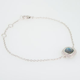 Bracelet Labradorite avec pavage oxyde de zirconium et 3 anneaux d'attaches.