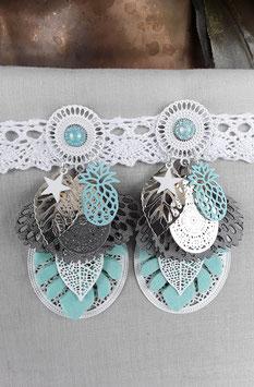 Boucles turquoises et blanches