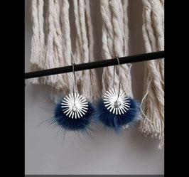 Créoles pompons  bleu nuit