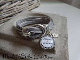 Bracelet Boucle avant suédine.