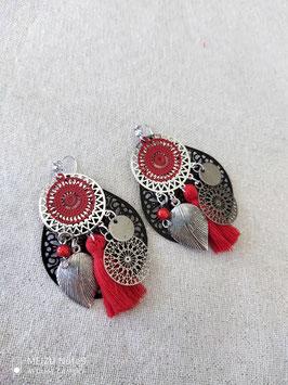 Boucles en noir rouge