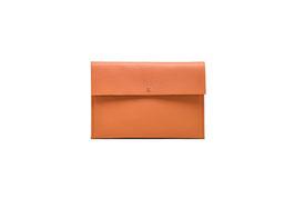 POUCH orange - MUSTERPREIS  60,00 EUR - FÜGE  GUTSCHEIN CODE: SAMPLE60  EIN