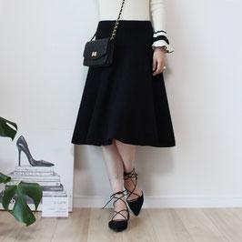 ブラックハリ感フレアニットスカート
