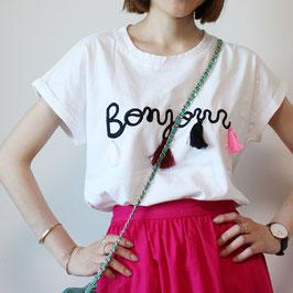 タッセル付きロゴTシャツ「Bonjour」