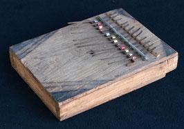Senza instrument de musique Africain en bois et métal  :  Kénya