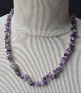 Collier avec perles améthyste