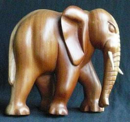 éléphant Africain en bois de teck   : Bénin