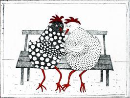 Hühnerpärchen auf der Bank