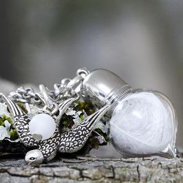 1105 Glashohlperle Spitzflasche mit echtem Federchen / Schwalbe
