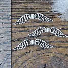 E-22 Metallperle Engelsflügel mini, silberfarben,  3 Stück