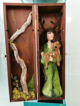 Wald Wächter mit Kitz