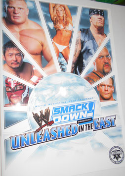 WWE SMACK DOWN パンフレット UNLEASHED IN THE EAST(BAG付き)