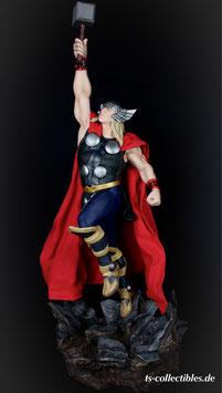Thor 1/5 Avengers Assemble 65cm Marvel Statue Sideshow