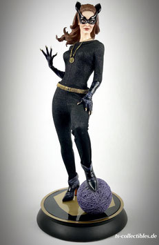 Catwoman Exclusive 1966 1/4 Premium Format DC Batman Classic TV Series 51cm Statue Sideshow